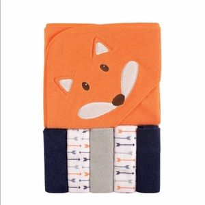 Luvable Friends Hooded Towel & Wash Cloths